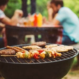 Barbecue et repas en extérieur