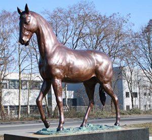 Magnifique lebensgroßes bronzepferd